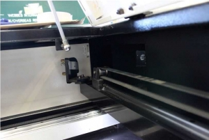 mirror11 300x201 - آموزش تنظیم آینه دستگاه لیزر co2