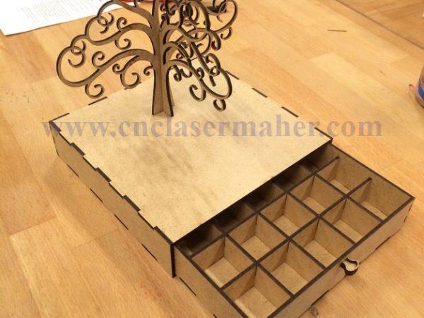 جعبه جواهرات چوبی درخت طرح لیزر 1158 با کشوی باز