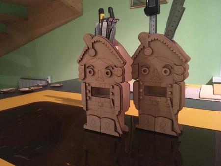 جامدادی چوبی